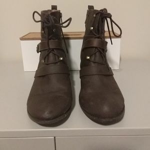 Brown Boots with detail